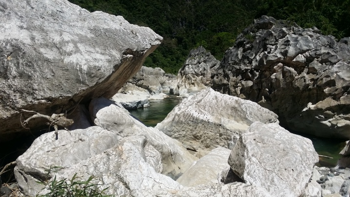 tinipak boulders